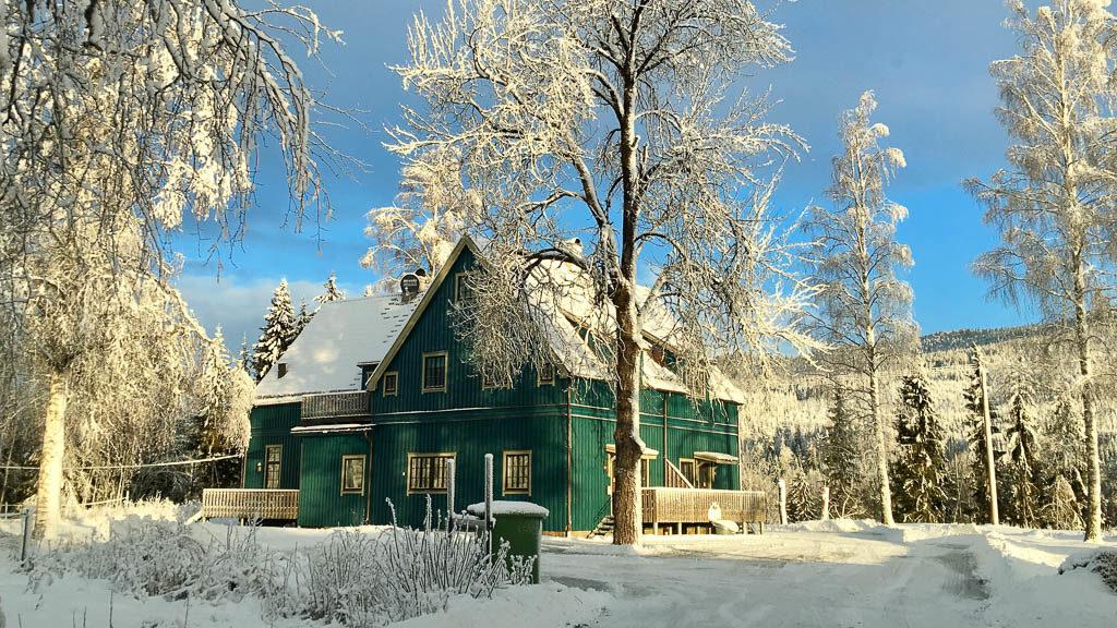 Skolhuset vintertid